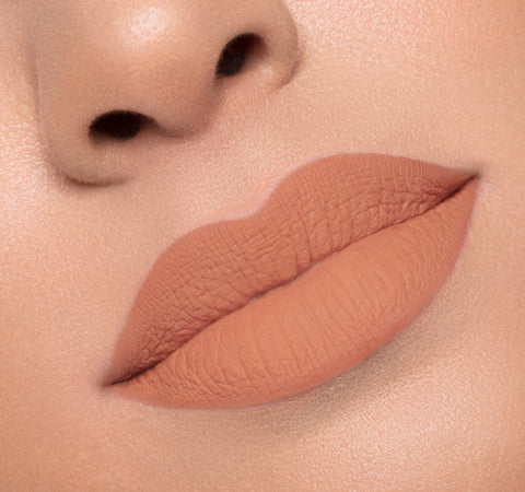 MATTE LIQUID LIPSTICK - TAUNT ON MODEL