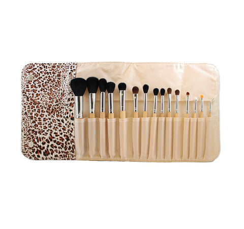 SET 694 - 15 PIECE WOODEN HANDLE SET W/ CHEETAH SNAP CASE