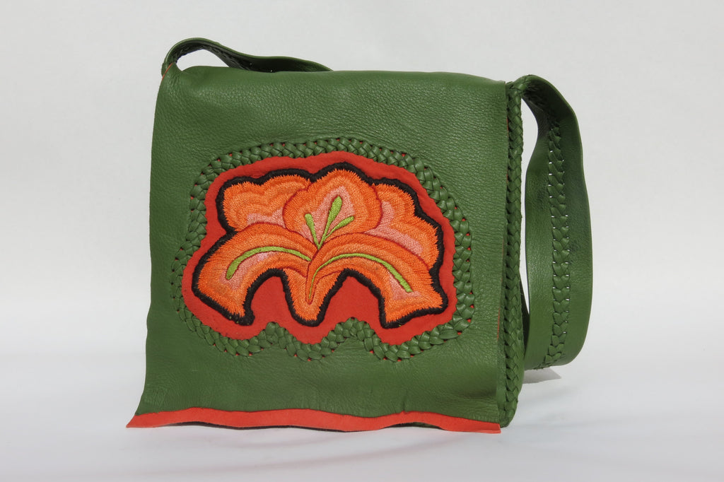 Xochitl™  Media Luna Shoulder Bag - Verde