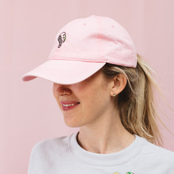 products/flamingo_hat_model_sml.jpg