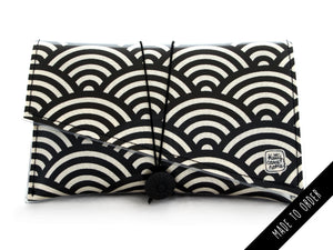 Super Clutch - black and cream large scallop design