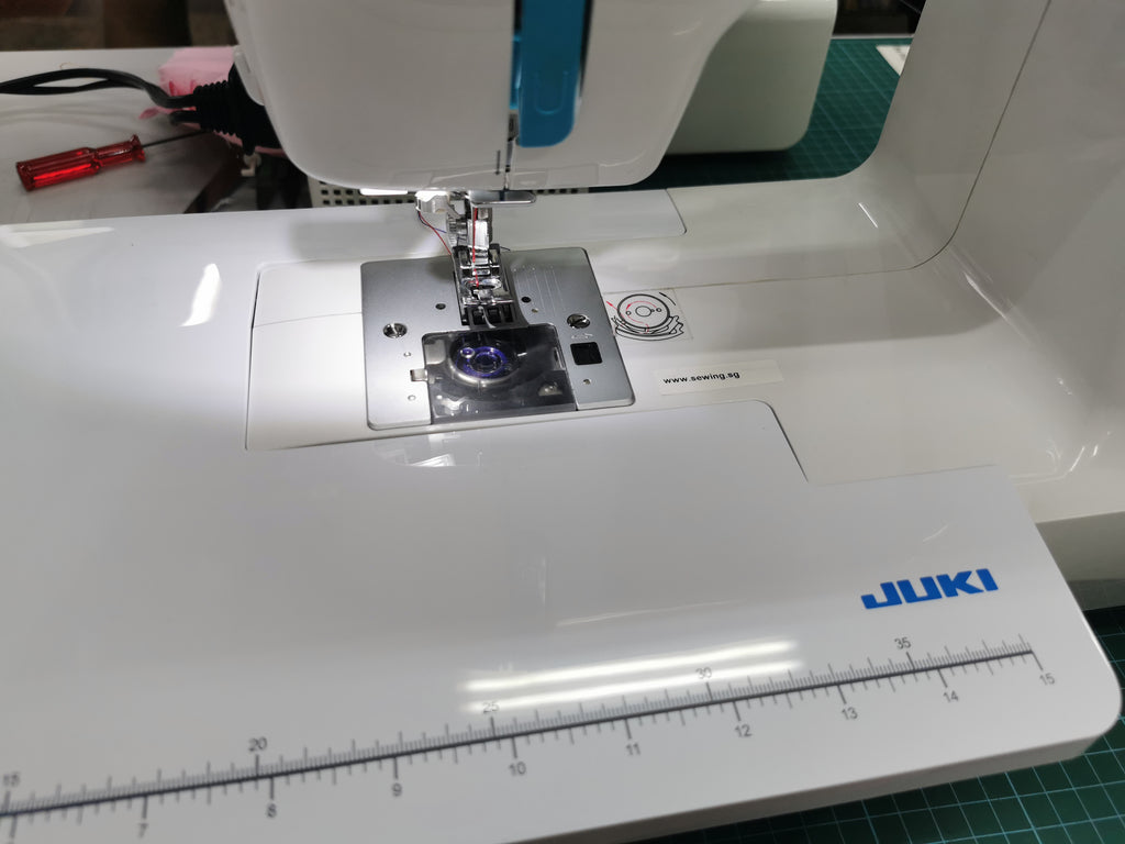 Juki Sewing Machine HZL-355Z, a heavy weight model for all purpose stitching, 9.5kg for this medium range machine. Good value for money!!