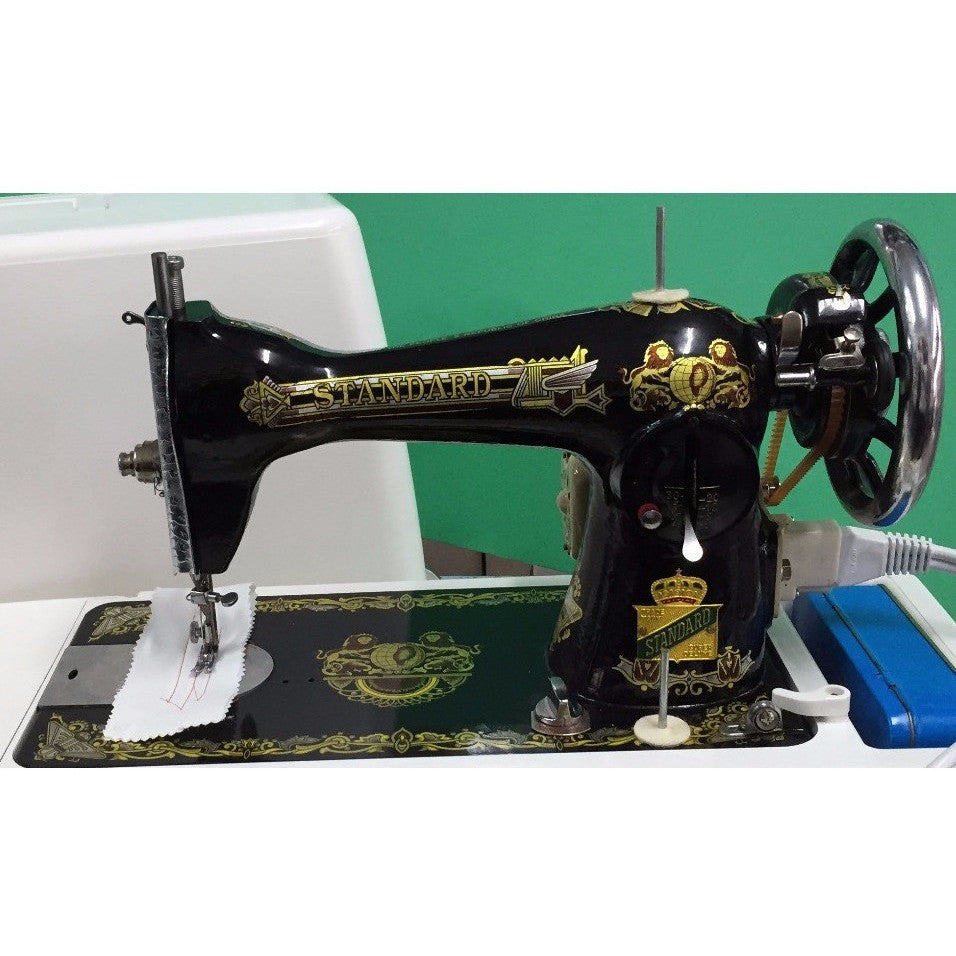 Singer 15NL Sewing Machine with 110 volts motor driven