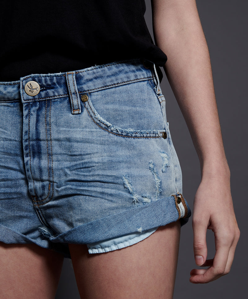 ONTEASPOON - Bandits Mid Rise Denim Short - Montana Blue
