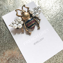 Load image into Gallery viewer, Pearl Bee Brooch