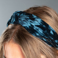 Load image into Gallery viewer, Teal Velvet Headband