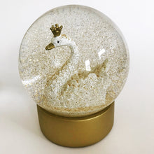 Load image into Gallery viewer, Swan Snow Globe
