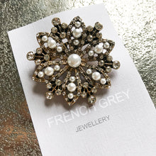Load image into Gallery viewer, Pearl Brooch
