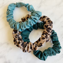 Load image into Gallery viewer, Scrunchie Pack Leopard & Teal