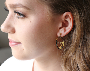 Tortoiseshell winky face earrings