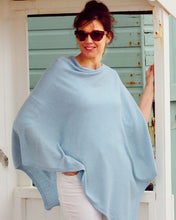 Load image into Gallery viewer, Cashmere Blend Poncho