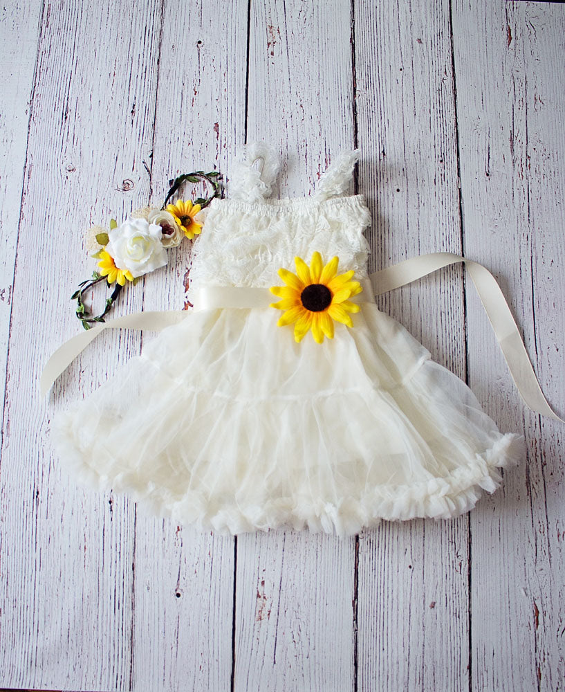 Rustic Sunflower Flower Girl Dress..Sunflower Sash and Headband Lace Flower Girl Dress..Cowboy Girl Outfit.Flower Girl Gift...Photo Prop