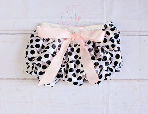 Ruffle Bloomers..Diaper Cover..Pink Polk Dot Ruffle Bum Baby Bloomer..Baby bloomers..Cake Smash..Newborn .. Diaper cover .. Photo prop