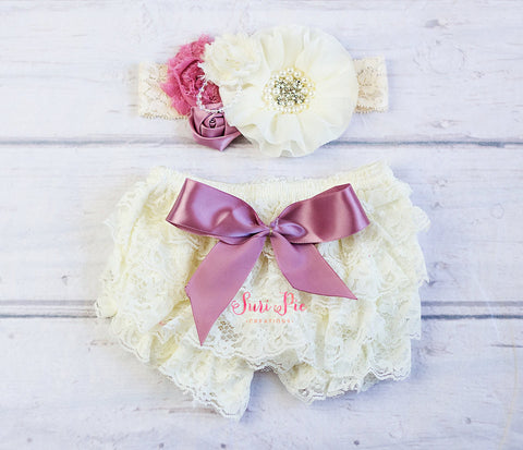 Baby Ruffle Bloomers set ..Ivory Blush Lace Ruffle Bum Baby Bloomer..Cake Smash Outfit.Newborn Photography Prop.Diaper Cover..Ruffle Bloomer