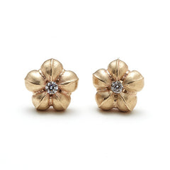 14k Gold Flower Diamond Stud Earrings