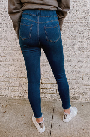DON'T DISTRESS ABOUT IT DISTRESSED DENIM JEGGINGS