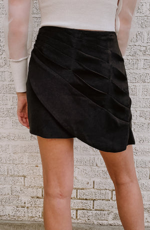 PLEAT HOLD ME NOW SKIRT