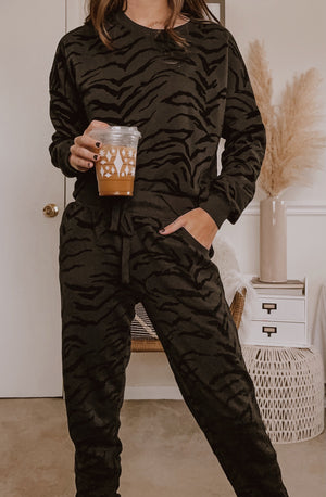 Z SUPPLY ERIS TIGER FLOCKED JOGGER