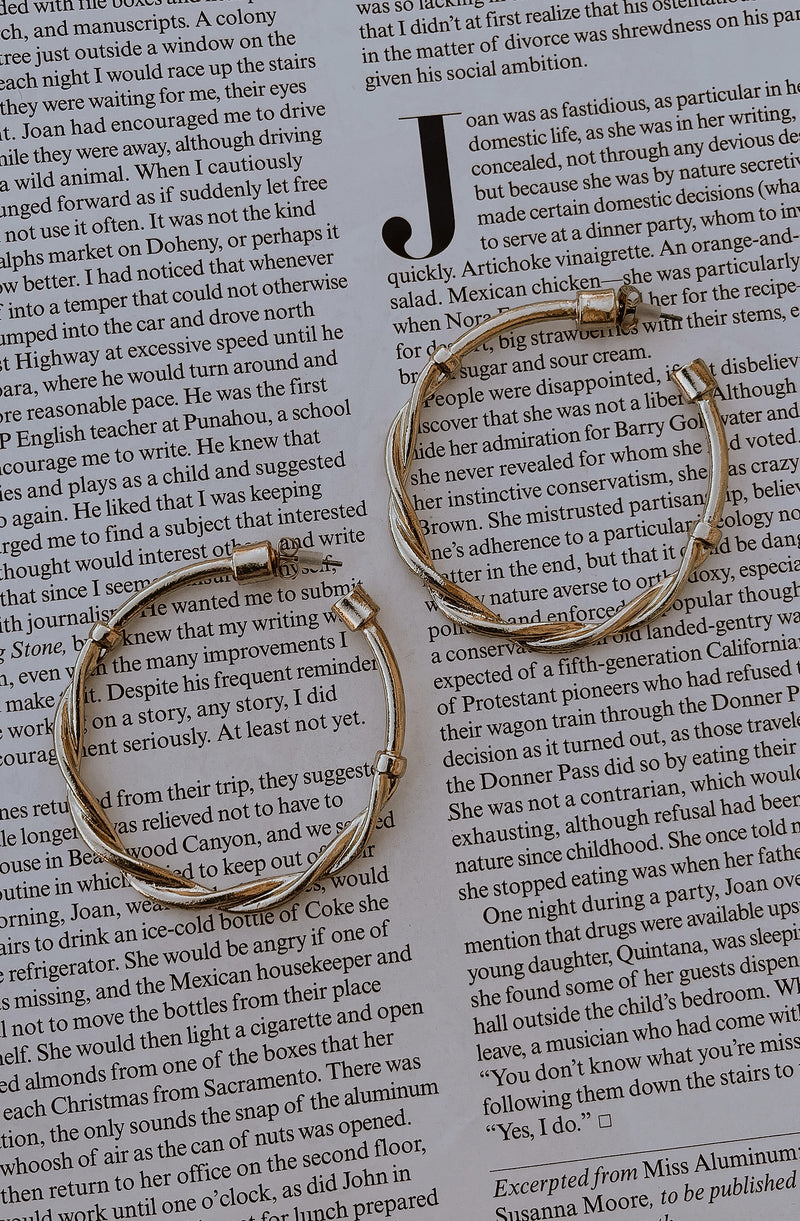 PUT A TWIST ON IT GOLD HOOP EARRINGS