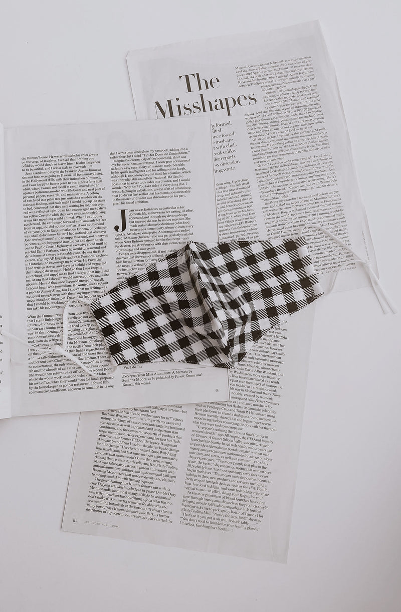 PICNIC SEASON GINGHAM MASK