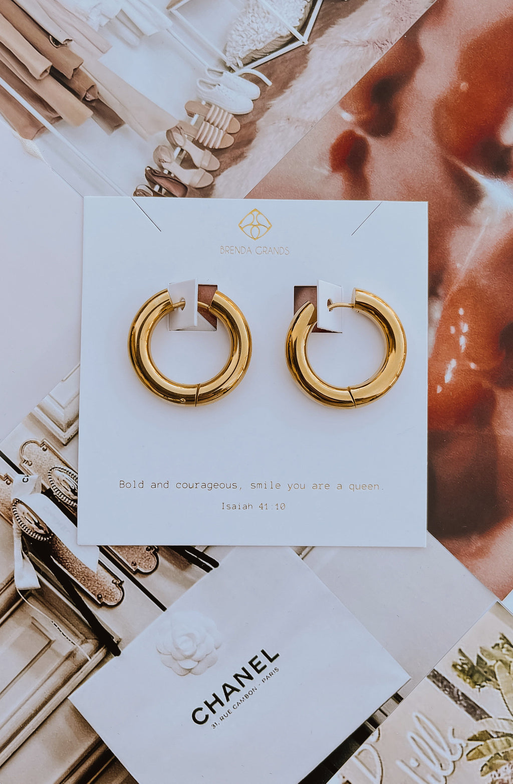 BRENDA GRAND'S LARGE CANDONGAS HOOP EARRINGS