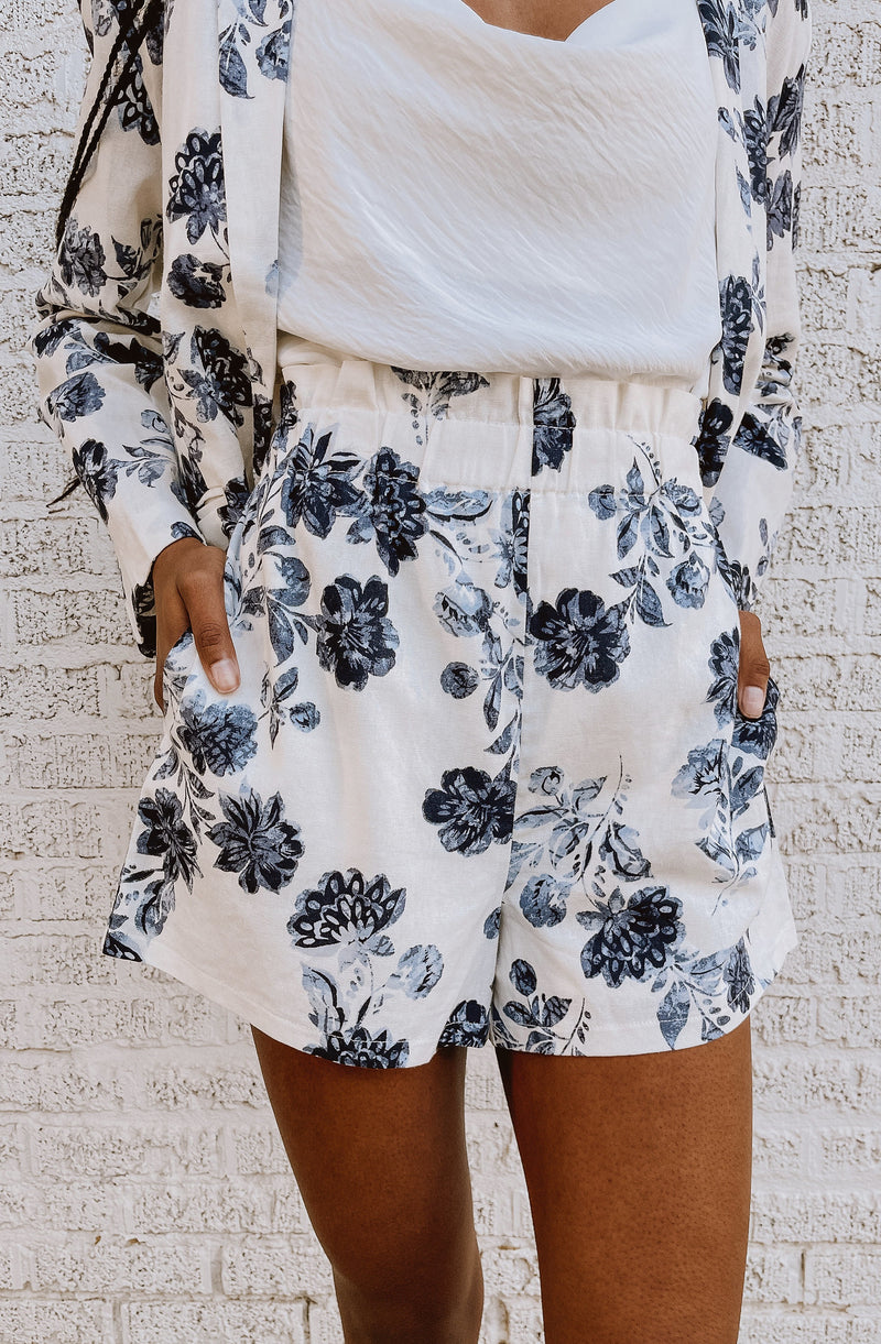 FLOWER POWER SET PRINTED SHORTS