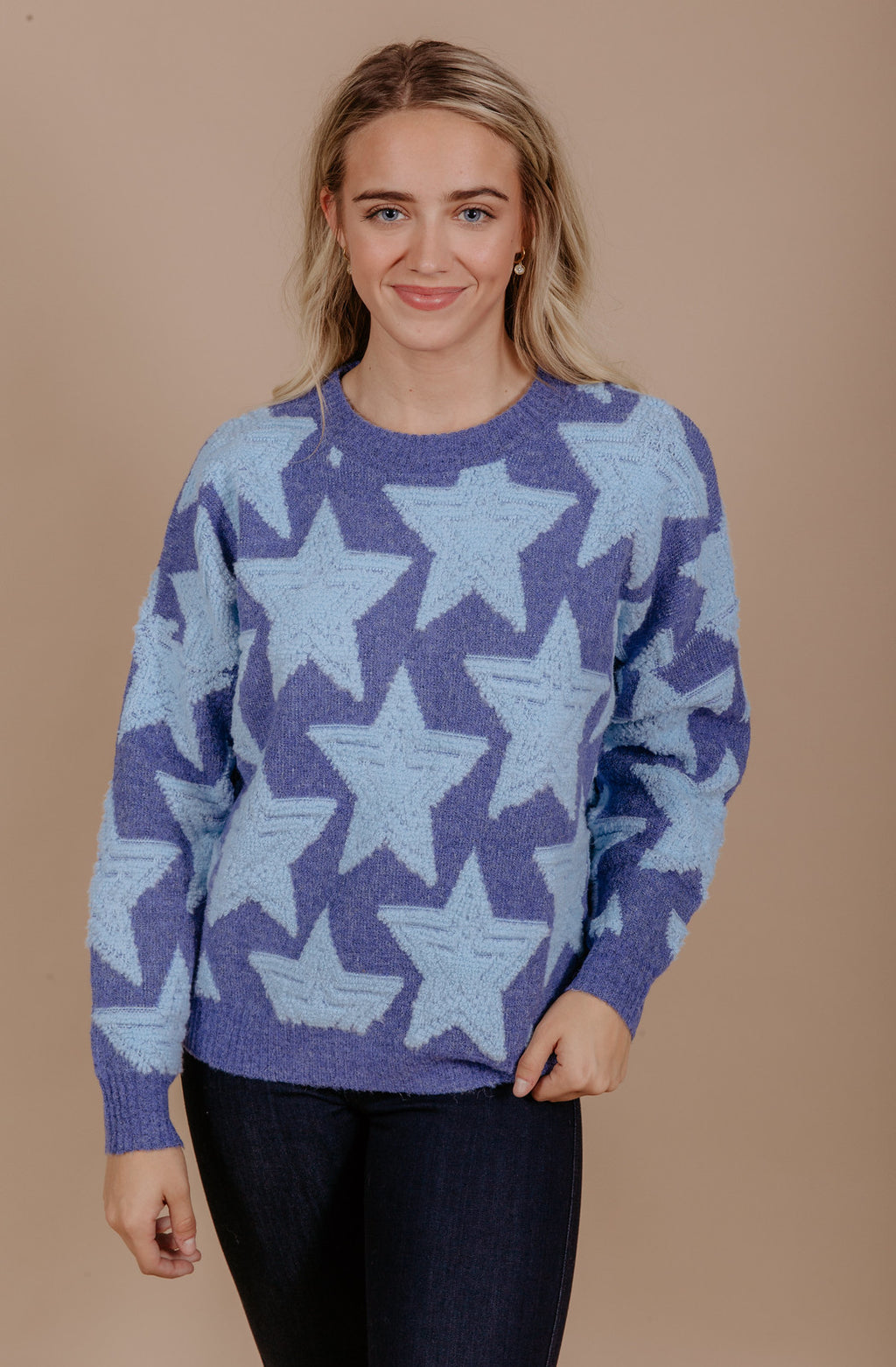 STOP AND STAR SWEATER