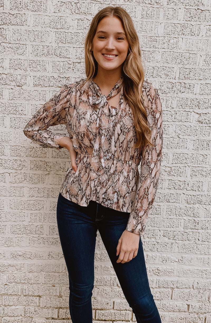 SNAKE IT EASY BLOUSE
