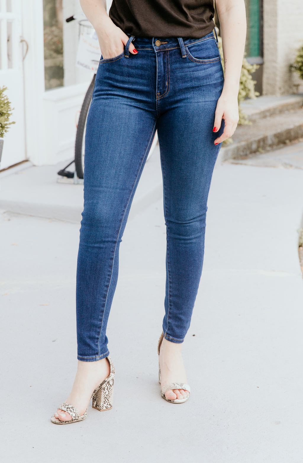ERIN'S FAVORITE HIGH RISE DENIM IN DARK WASH
