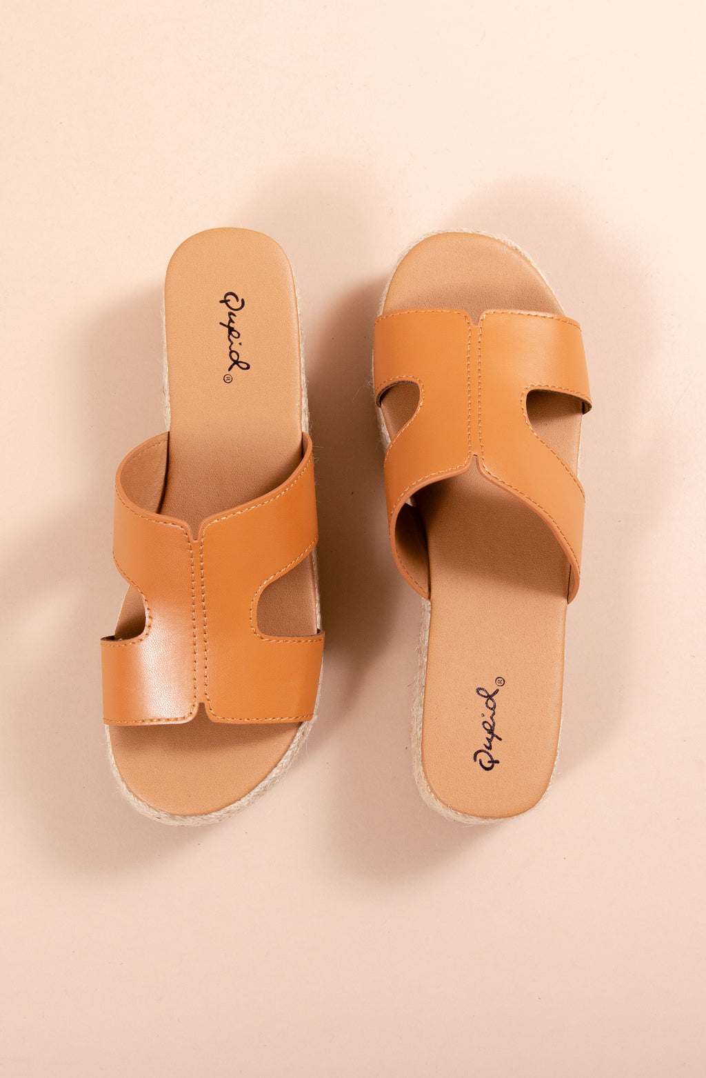 BEACHIE PLATFORM SANDALS IN TAN