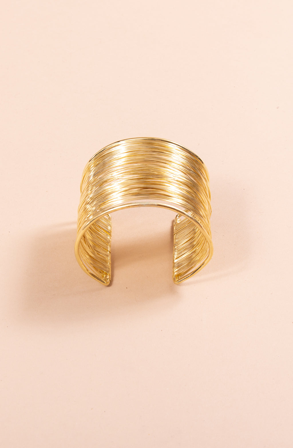 WIRE CUFF IN GOLD