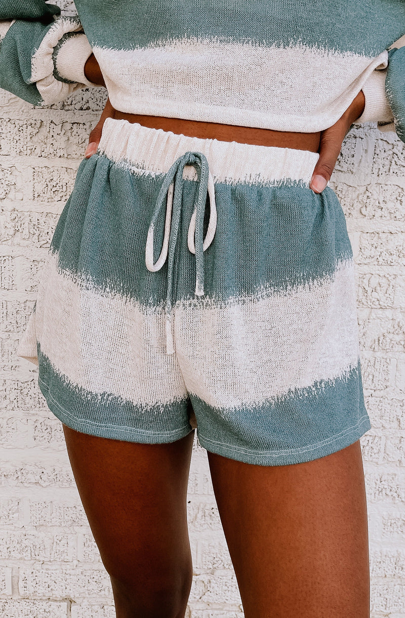 UNBELIEVABLY CHARMING SET SHORTS
