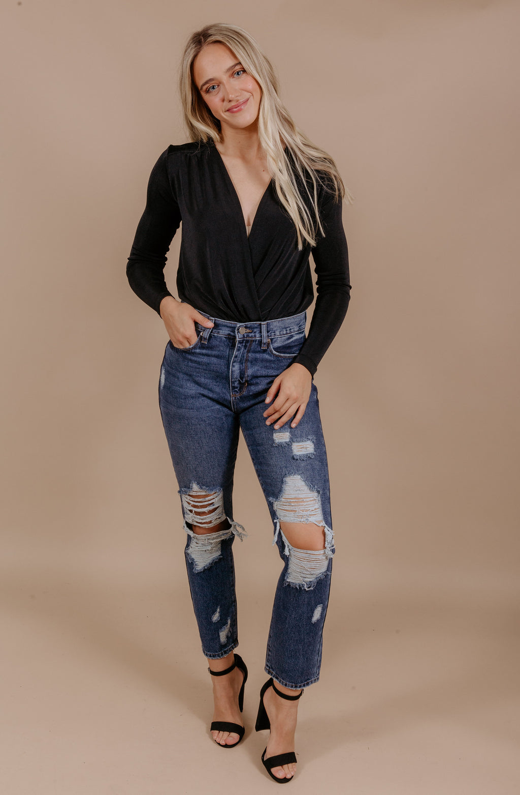 GET IT GIRL DISTRESSED GIRLFRIEND DARK DENIM