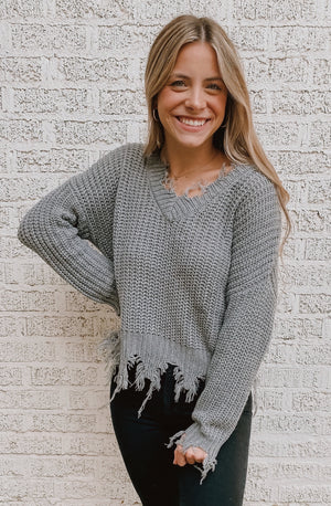 GREY RAINS RIPPED FRINGE SWEATER