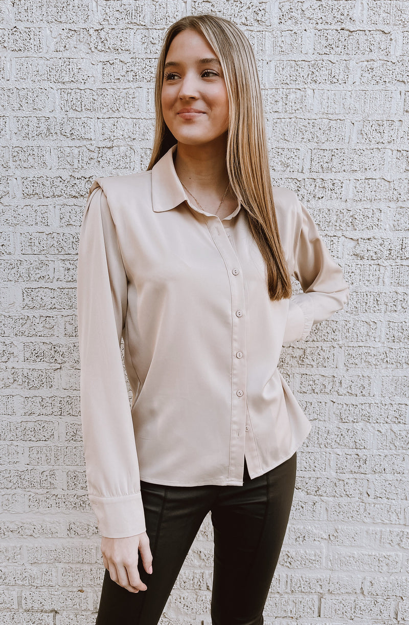 BRINGING THE MUSCLE & HUSTLE BLOUSE