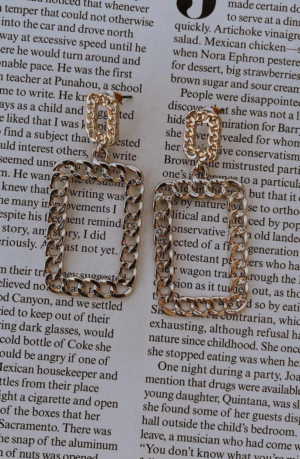 FRAME IT LIKE THIS GOLD EARRINGS