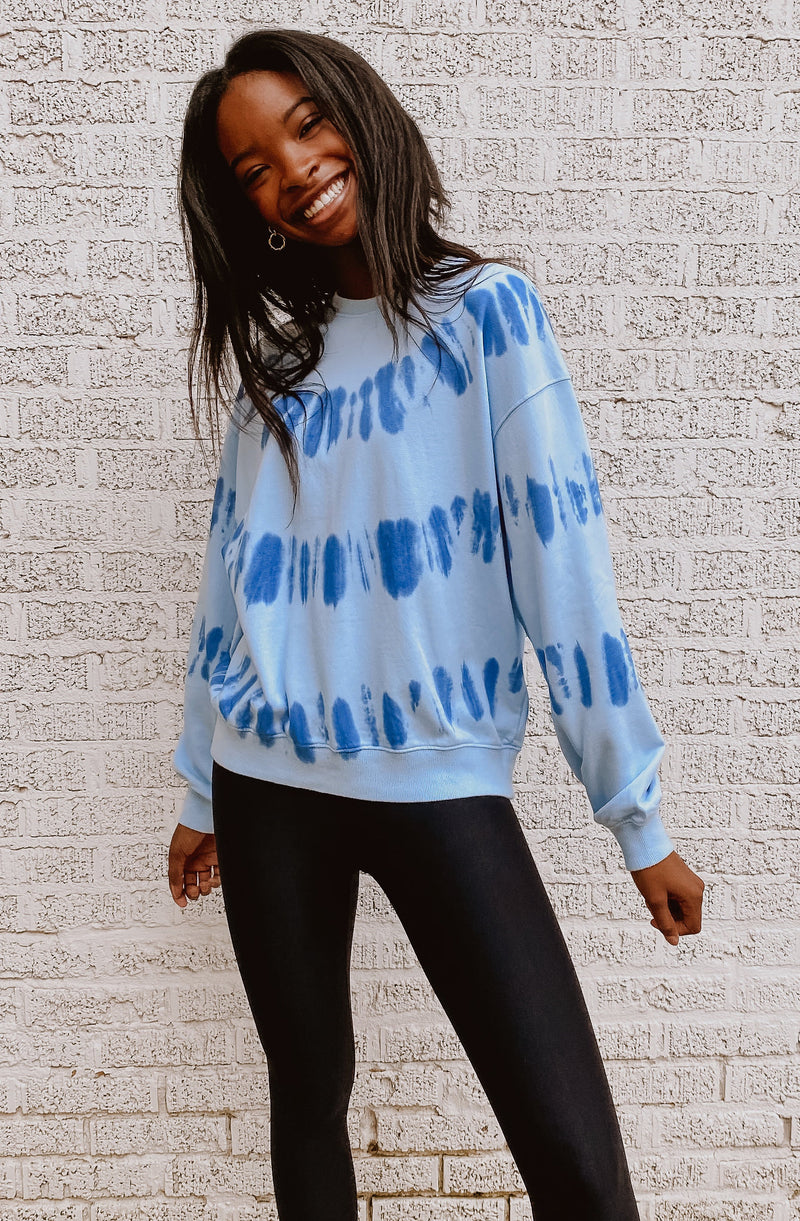FALLIN FOR BLUE TIE DYE SWEATSHIRT