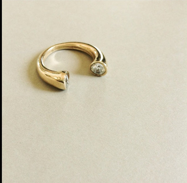 Eden Horse shoe ring