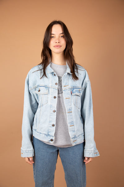 Light wash Levi's Denim Jacket, Magichollow