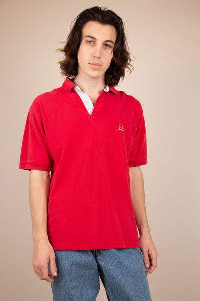 Vintage Tommy Hilfiger SS polo in red. 90s vintage. magichollow.