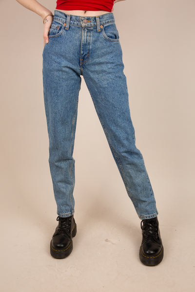 model wearing 550 Jeans, magichollow