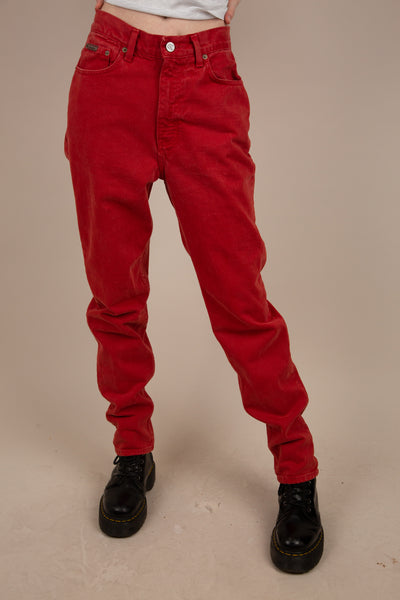 model wearing burnt red Calvin Klein Jeans, magichollow