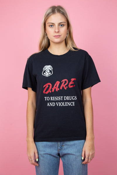 Black tee with red D.A.R.E. Graphic on the front.  magichollow