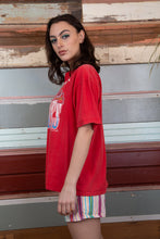 Load image into Gallery viewer, red single stitch tee with Atlanta braves graphic on the front. 1991 vintage - magichollow