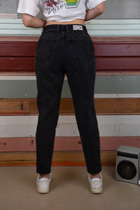 Black jeans in tapered fit. magichollow denim