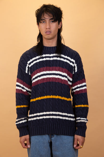 Tommy hilfiger knit sweater. 90s vintage. magichollow.