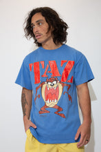 Load image into Gallery viewer, mickey X looney tunes tee in blue. 90s vintage. magichollow.å