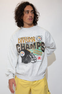 pittsburgh steelers sweater in a grey colour-way. 90s vintage. magichollow.
