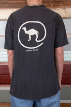 Load image into Gallery viewer, camel tee. 90s vintage. magichollow.