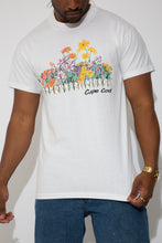 Load image into Gallery viewer, floral cape cod tee. 90s vintage. magichollow.